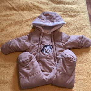❗️Closet clear out❗️Baby snowsuit